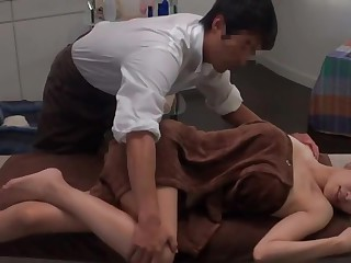 Japanese Plugola Massage Salon